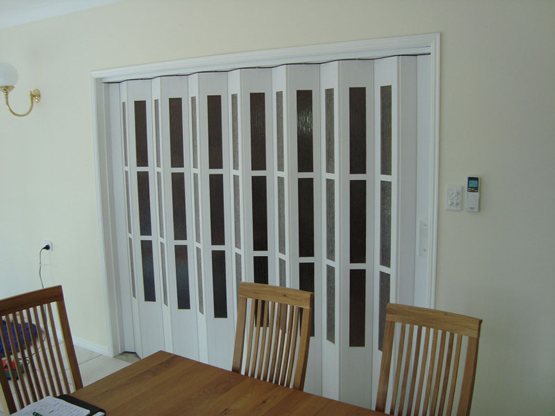 Folding Concertina Doors & Townsville Folding Concertina Doors Acoustic Sound Rated Doors ...